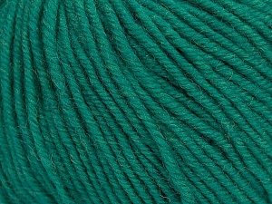 SUPERWASH MERINO is a worsted weight 100% superwash merino yarn available in 47 beautiful colors. Marvelous hand, perfect stitch definition, and a soft-but-sturdy finished fabric. Projects knit and crocheted in SUPERWASH MERINO are machine washable! Lay flat to dry. Fiber Content 100% Superwash Merino Wool, Brand ICE, Emerald Green, Yarn Thickness 4 Medium  Worsted, Afghan, Aran, fnt2-42460